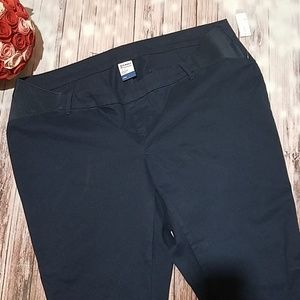 Old Navy Pixie cut side panel maternity pants